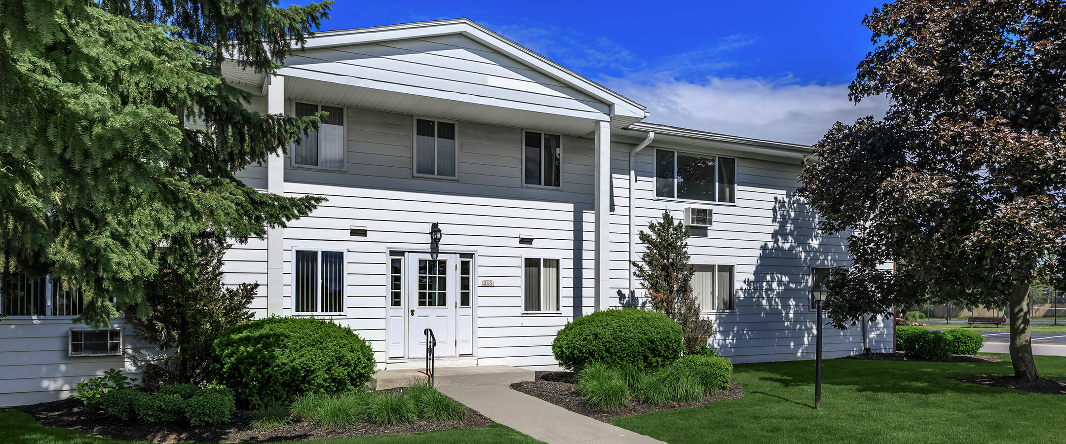 image greystone apartments townhomes apartment homes in rochester ny